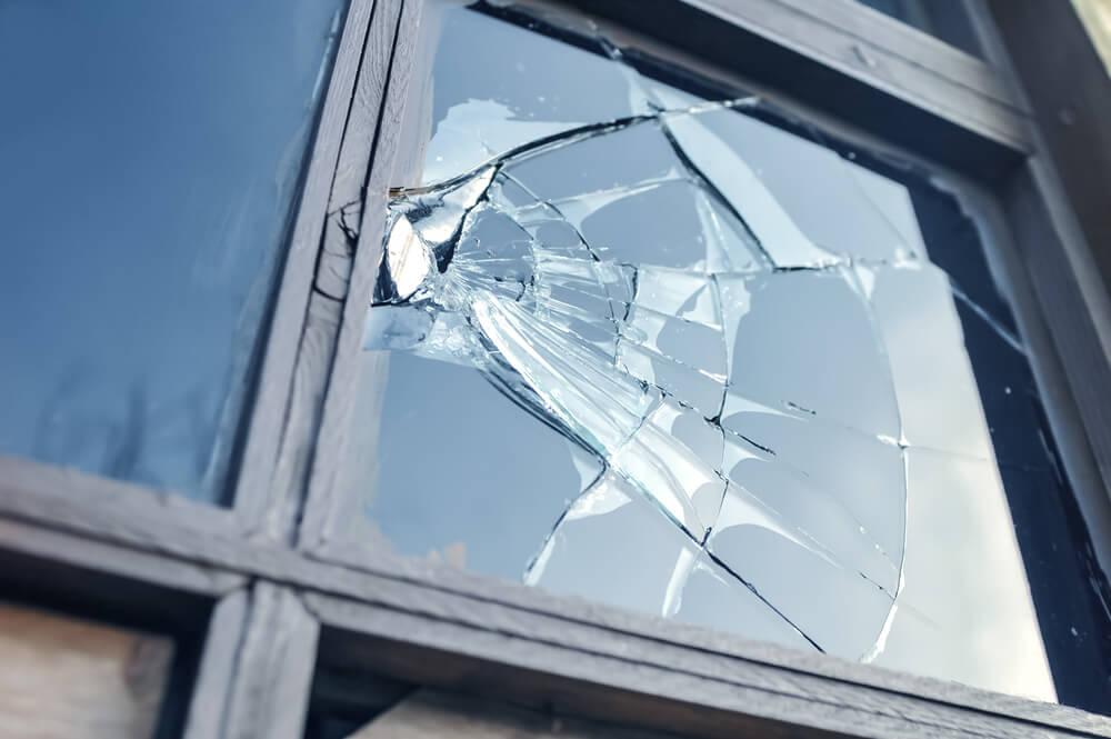 Schade aan een ruit met dubbel glas
